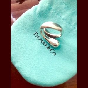 Tiffany & Co. Elsa Perretti teardrop ring 🎄🎅🏻❤️
